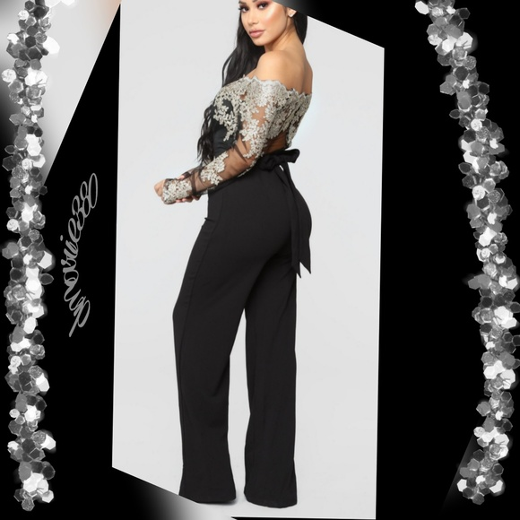 🔥HP 🔥New VERY Gorgeous Black Embroidery jumpsuit